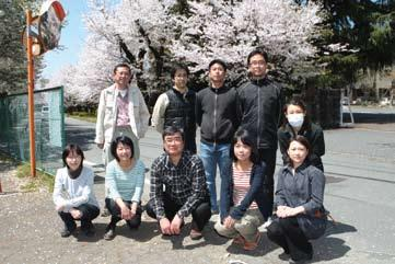 Professors) (2011 年 4 月 1 日現在 ) 管理部長 General Manager 野田潔 NODA, Kiyoshi 研究推進課 Research Promotion Section 課長 Manager 松永茂 MATSUNAGA, Shigeru 副課長 Deputy Manager 新田清隆 NITTA, Kiyotaka 研究推進チーム Research