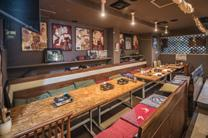 Enjoy a leisurely moment of luxury in this restaurant designed in the image of a kyomachiya townhouse.
