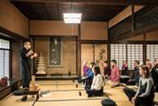 daimyos employed individuals to in ltrate the at Shunkoin, teaches meditation in uent experiences while wearing kimonos.
